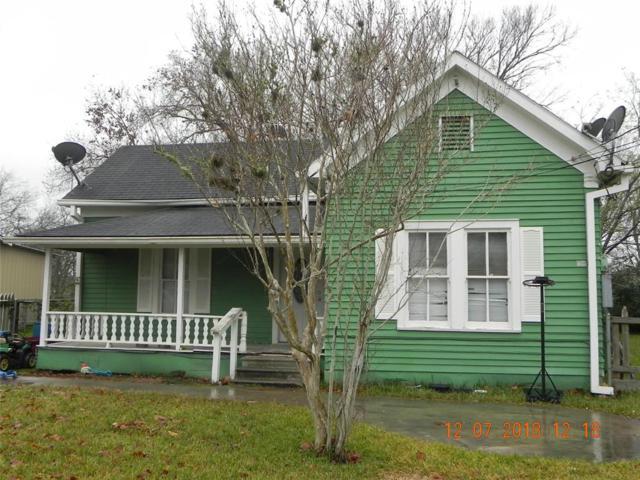 500 S Texana Street, Hallettsville, TX 77964 (MLS #3658962) :: The Sansone Group