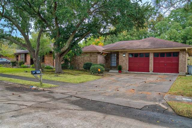 903 Meadowbrook Drive, Baytown, TX 77521 (MLS #3665479) :: The SOLD by George Team