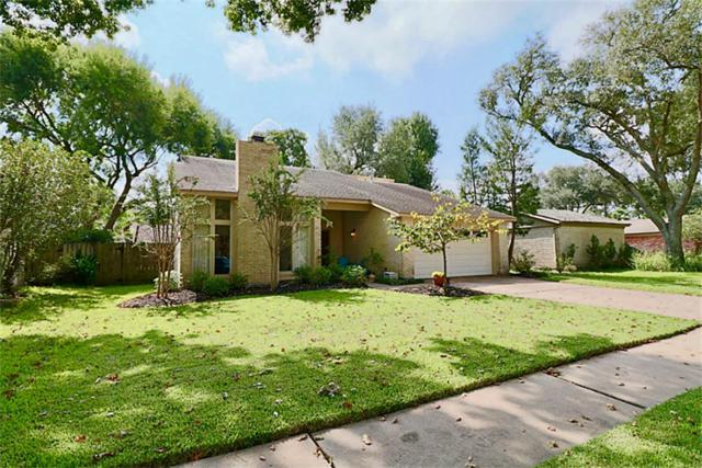 16422 Mill Point Drive, Houston, TX 77059 (MLS #3680532) :: Team Sansone
