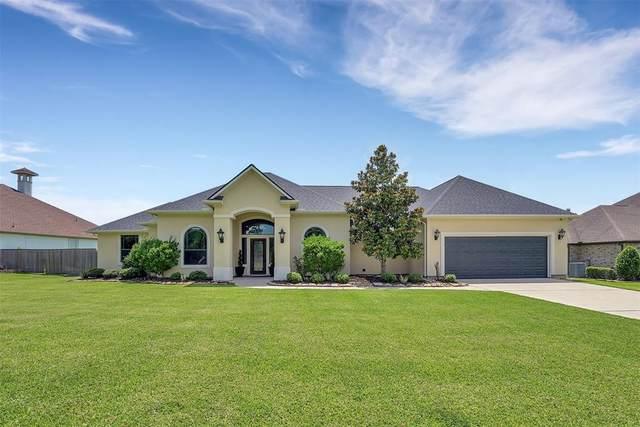 18822 Quiet Water Way, Montgomery, TX 77356 (MLS #36876023) :: The Home Branch