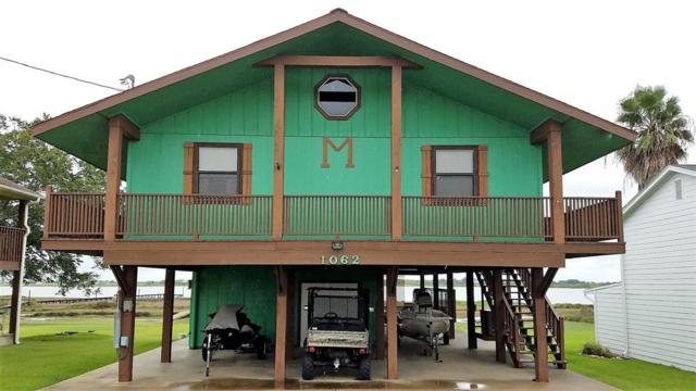 1062 W Bayshore Drive, Palacios, TX 77465 (MLS #36926220) :: The Heyl Group at Keller Williams