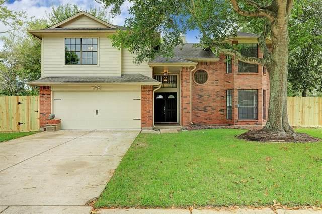 2207 S Mission Circle, Friendswood, TX 77546 (MLS #36949923) :: Ellison Real Estate Team