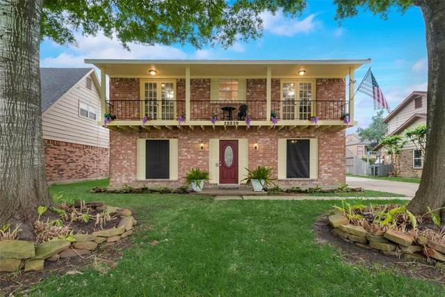 12219 Hoggard Drive, MEADOWS Place, TX 77477 (MLS #37130808) :: The SOLD by George Team
