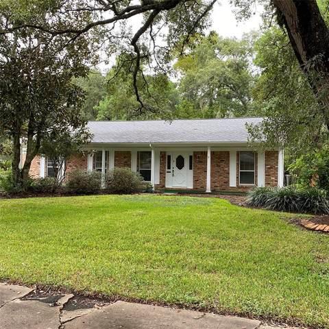 105 Blossom Street, Lake Jackson, TX 77566 (MLS #37135995) :: Keller Williams Realty