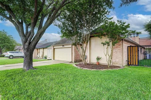 11723 Brook Meadows, MEADOWS Place, TX 77477 (MLS #37191878) :: Lisa Marie Group | RE/MAX Grand