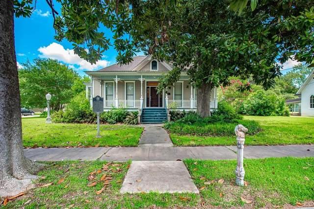 809 Milam Street, Columbus, TX 78934 (MLS #37326961) :: Lerner Realty Solutions