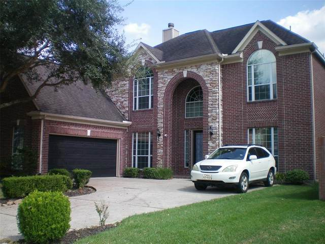 2111 Barton Creek Drive, Pearland, TX 77584 (MLS #3735329) :: Christy Buck Team