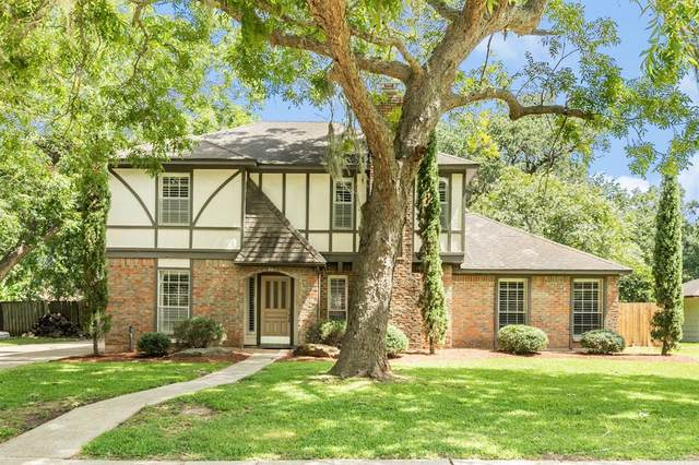 103 Greenbriar Drive, Lake Jackson, TX 77566 (MLS #37393586) :: The SOLD by George Team