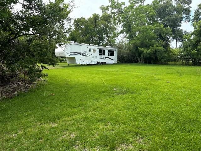 138 Pine Bluff, La Porte, TX 77571 (MLS #37455269) :: The Freund Group