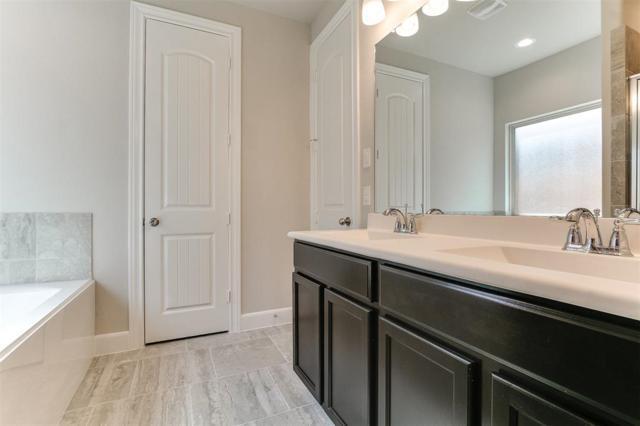 10318 Muir Peak Drive, Rosharon, TX 77583 (MLS #37851130) :: Fanticular Real Estate, LLC