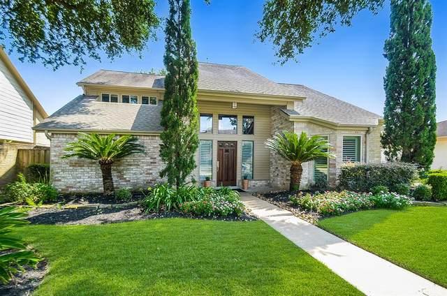 1611 Overland Pass Drive, Sugar Land, TX 77478 (MLS #37876558) :: The Heyl Group at Keller Williams
