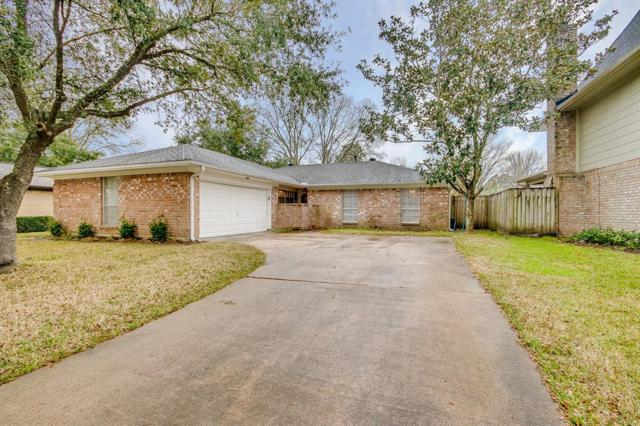 15810 Hickory Knoll Drive, Houston, TX 77059 (MLS #37919247) :: Texas Home Shop Realty