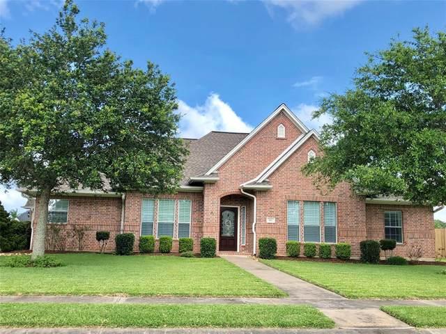 102 Gadwall Drive, Clute, TX 77531 (MLS #37964053) :: Caskey Realty