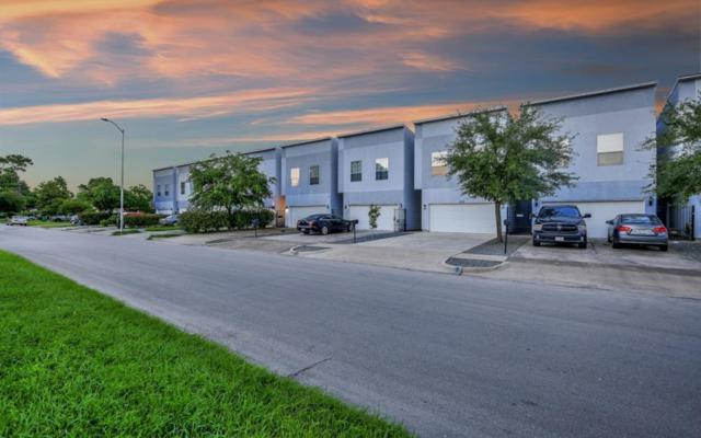 1828 Woodvine Drive, Houston, TX 77055 (MLS #38020475) :: The Heyl Group at Keller Williams