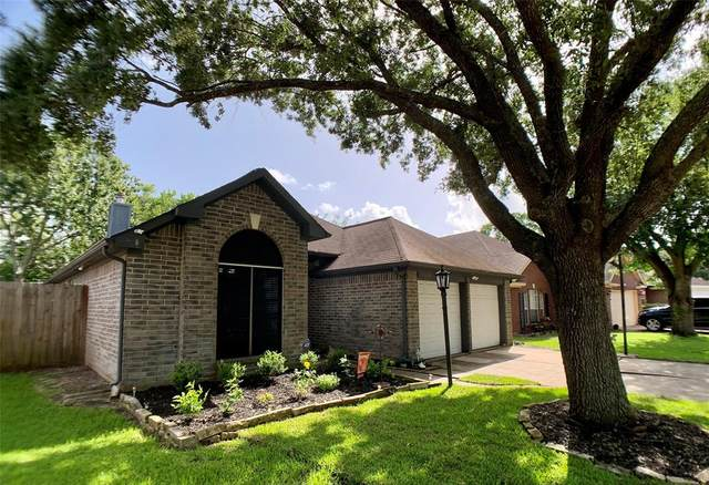 1108 Merribrook Lane, Pearland, TX 77581 (MLS #38024491) :: The Queen Team