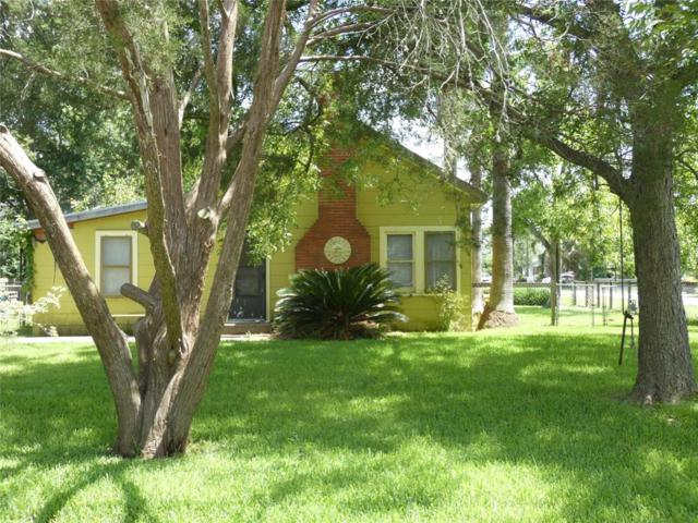 1115 Forest Road, Clear Lake Shores, TX 77565 (MLS #38037165) :: The Queen Team