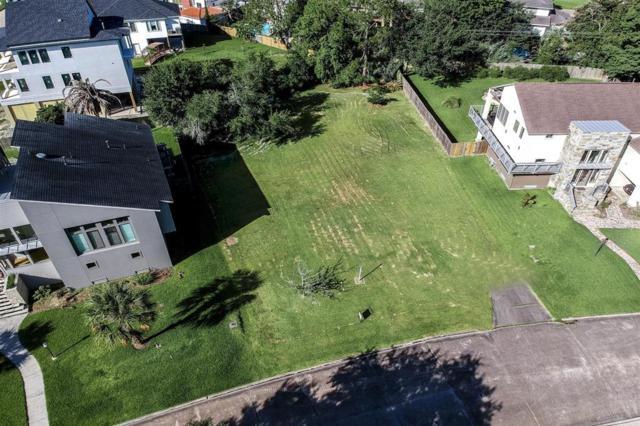 18730 Prince William Lane, Nassau Bay, TX 77058 (MLS #38176586) :: The SOLD by George Team