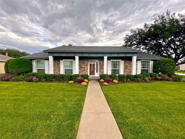 300 Green Ave, Palacios, TX 77465 (MLS #38239973) :: The Freund Group