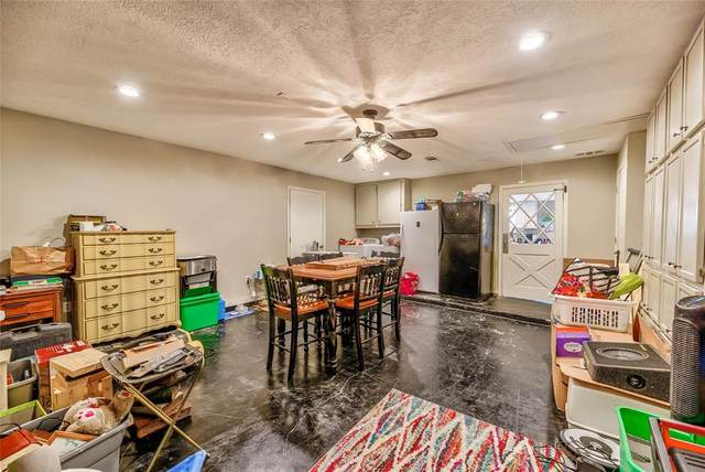 694 E Lake Drive, Livingston, TX 77351 (MLS #38348067) :: The SOLD by George Team