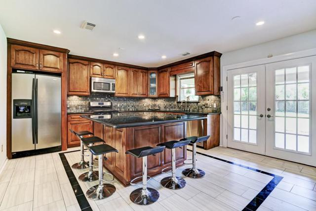 4719 Meadowthorn Court, Friendswood, TX 77546 (MLS #38529823) :: Texas Home Shop Realty