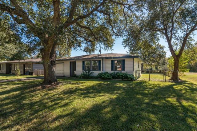 1249 Oak Drive, Hitchcock, TX 77563 (MLS #38646645) :: Texas Home Shop Realty
