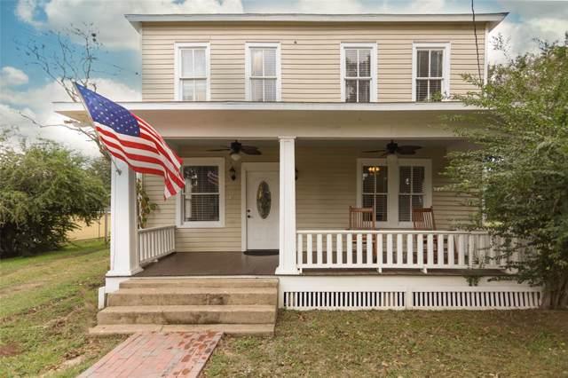 717 Silliman Street, Sealy, TX 77474 (MLS #38695226) :: Ellison Real Estate Team