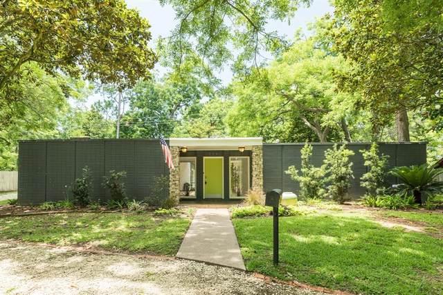 528 Oak Drive, Lake Jackson, TX 77566 (MLS #38704065) :: Caskey Realty