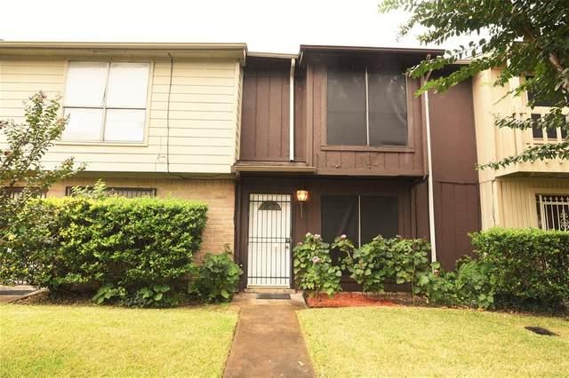 11685 Alief Clodine Road #4, Houston, TX 77082 (MLS #3872692) :: Michele Harmon Team