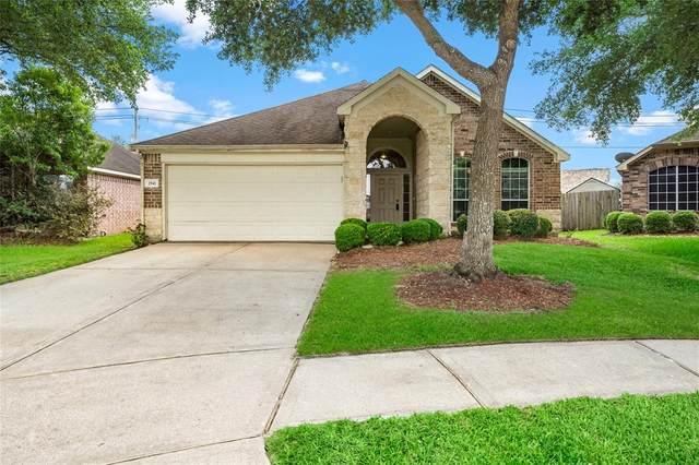 2941 Meridian Bay Lane, Dickinson, TX 77539 (MLS #38752035) :: Rachel Lee Realtor