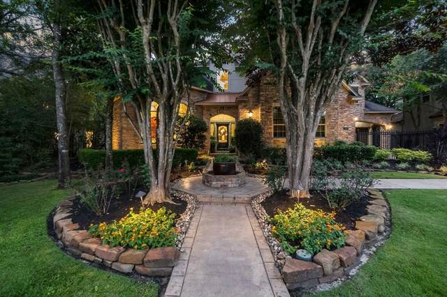 11 Hunnewell Way, The Woodlands, TX 77382 (MLS #38753710) :: The Home Branch