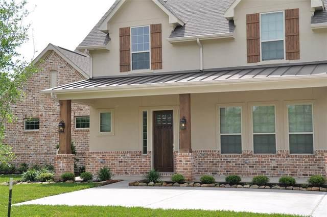927 Lily Lane, Rosharon, TX 77583 (MLS #38925793) :: The Heyl Group at Keller Williams