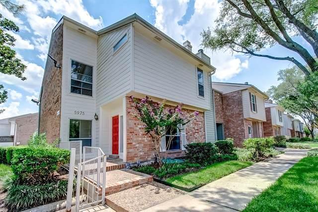 5975 Woodway Drive, Houston, TX 77057 (MLS #38962364) :: The Parodi Team at Realty Associates