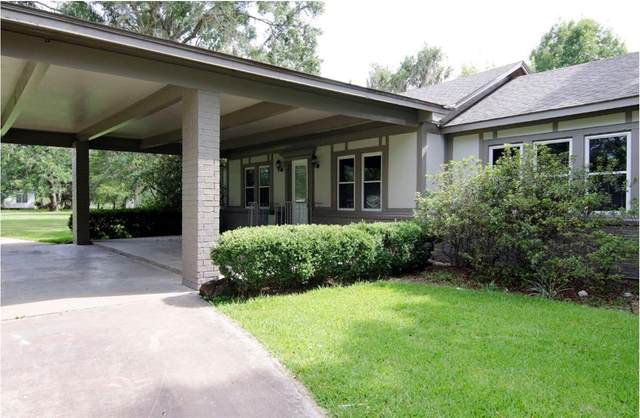 1730 S Columbia Drive, West Columbia, TX 77486 (MLS #39127835) :: My BCS Home Real Estate Group