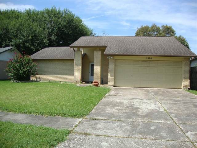 2806 Travellers Street, League City, TX 77573 (MLS #3916310) :: The Bly Team
