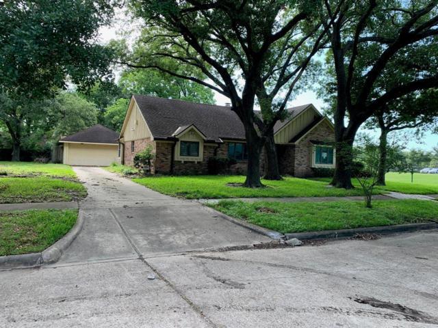 9207 Landsdowne Drive, Houston, TX 77096 (MLS #3922897) :: Texas Home Shop Realty