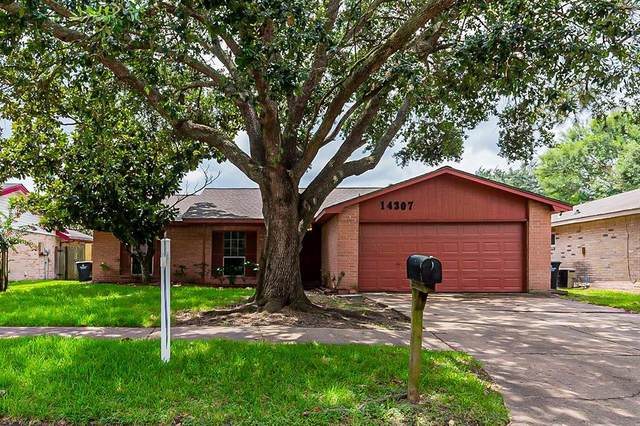14307 Branchwater Lane, Sugar Land, TX 77498 (#39239237) :: ORO Realty