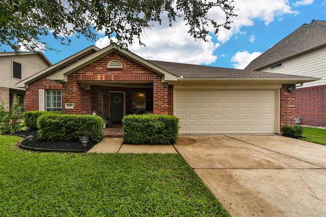 3310 Pebble Beach Lane, Pearland, TX 77584 (MLS #39303398) :: CORE Realty