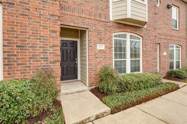 305 Holleman Dr Drive E #104, College Station, TX 77840 (MLS #39312624) :: Rachel Lee Realtor