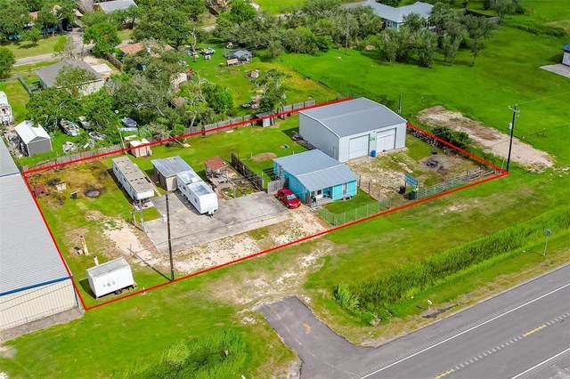 6573 Highway 35 N, Rockport, TX 78382 (MLS #39448939) :: My BCS Home Real Estate Group