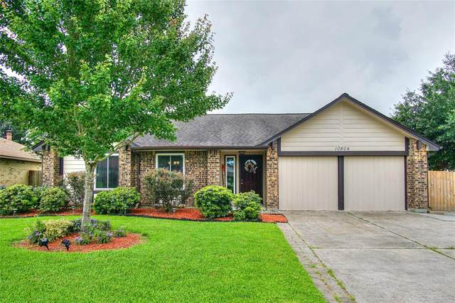 10804 Collingswood Drive, La Porte, TX 77571 (MLS #39554050) :: Christy Buck Team