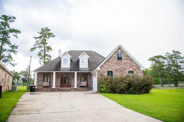 220 Idylwild Drive, Sour Lake, TX 77659 (MLS #39623783) :: The Bly Team