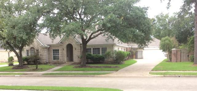14914 N Wilderness Cliff Court N, Houston, TX 77062 (MLS #39672528) :: The SOLD by George Team