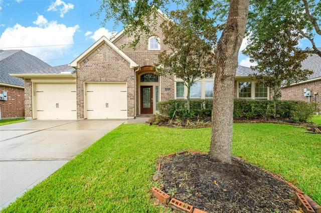 2604 Night Song Drive, Pearland, TX 77584 (MLS #39704140) :: The Freund Group