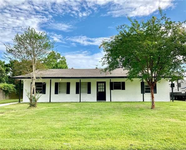 4909 Green Willow Lane, Dickinson, TX 77539 (MLS #39712812) :: Giorgi Real Estate Group