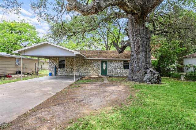412 Jones Street, Columbus, TX 78934 (MLS #3972783) :: Michele Harmon Team