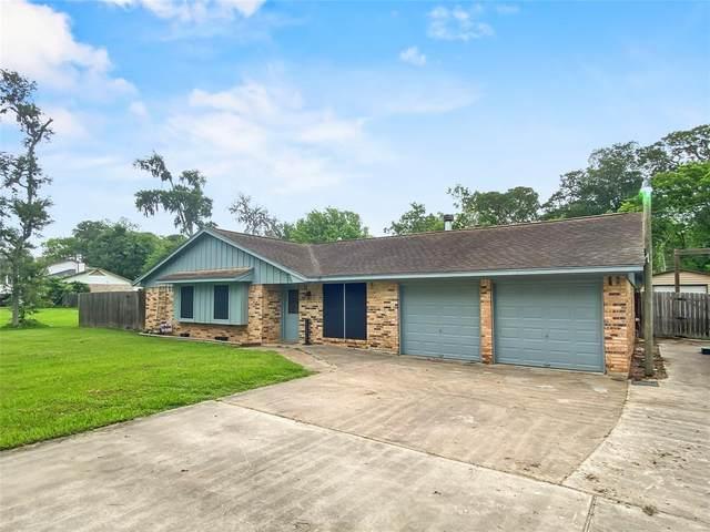 108 Edgewater Street, Richwood, TX 77531 (#39775412) :: ORO Realty