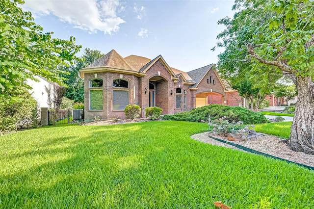 561 Edgewood Drive, Montgomery, TX 77356 (MLS #39861947) :: The Home Branch