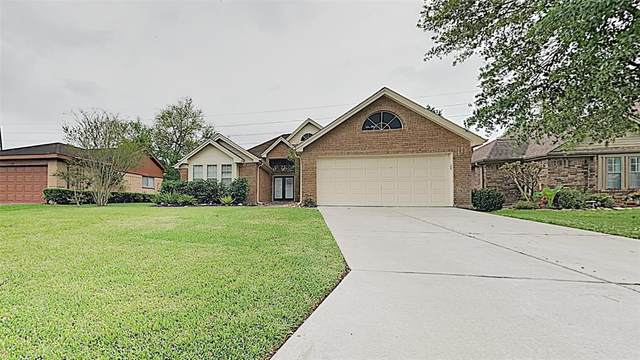 2814 S Peach Hollow Circle, Pearland, TX 77584 (MLS #4006459) :: Caskey Realty