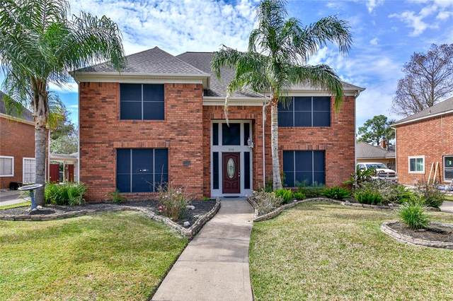 2110 Meadow Parkway N, League City, TX 77573 (MLS #403748) :: The Bly Team