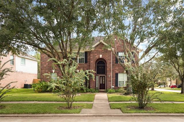 605 Canyon Crest Drive, League City, TX 77573 (MLS #40481004) :: The Bly Team